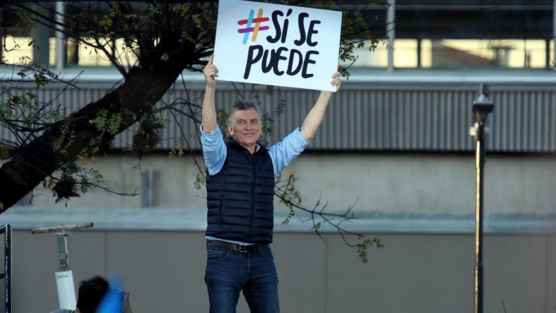 Macri sale de gira para convencer a sus partidarios que