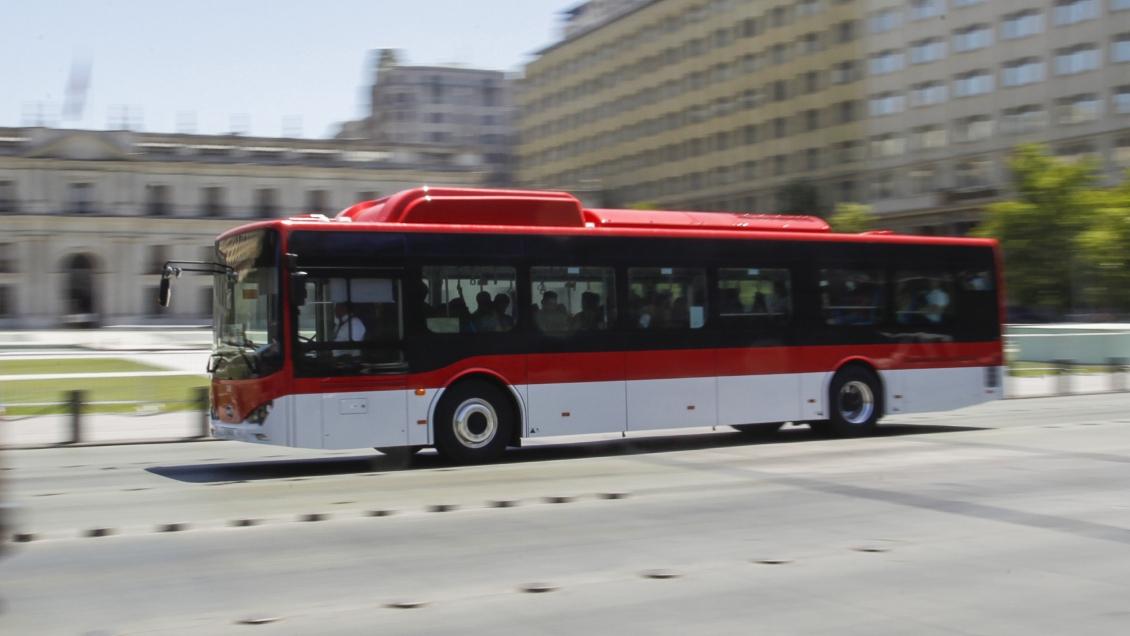 Experto por alza de tarifas en Red: Claramente hay un impacto de los buses eléctricos