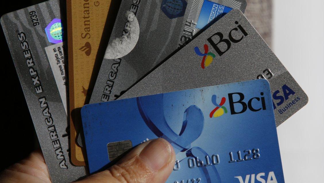 Sernac presentó demanda colectiva contra Correos por filtración de datos de tarjetas de crédito