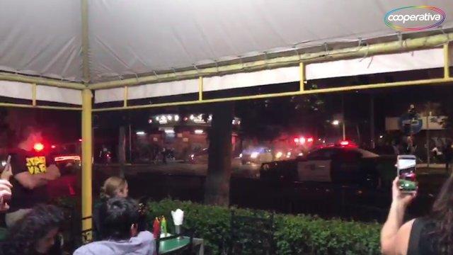 Carabineros lanzó gases frente a restaurante en Providencia - Cooperativa.cl