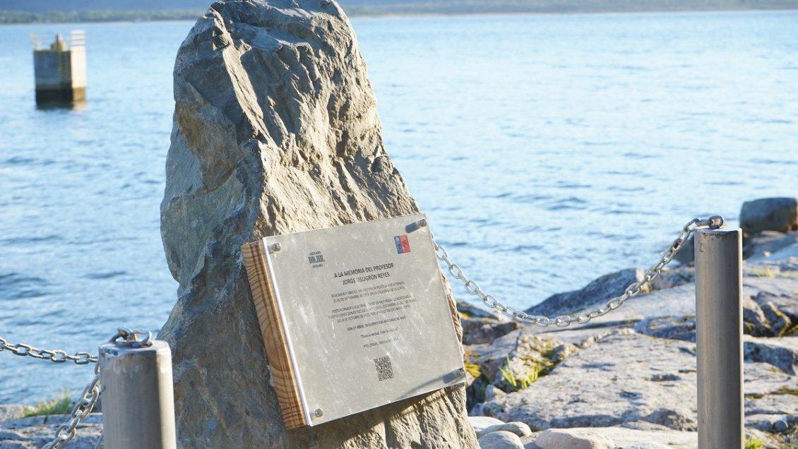 Inauguran en Puyuhuapi y Puerto Cisnes monolitos en memoria de víctimas de la dictadura - Cooperativa.cl