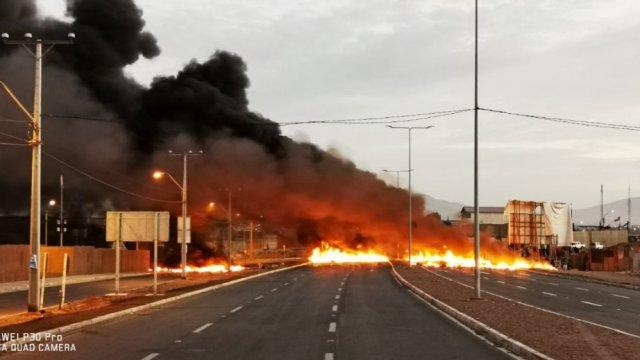 Barricadas y cortes de ruta despertaron a la Región de Tarapacá - Cooperativa.cl
