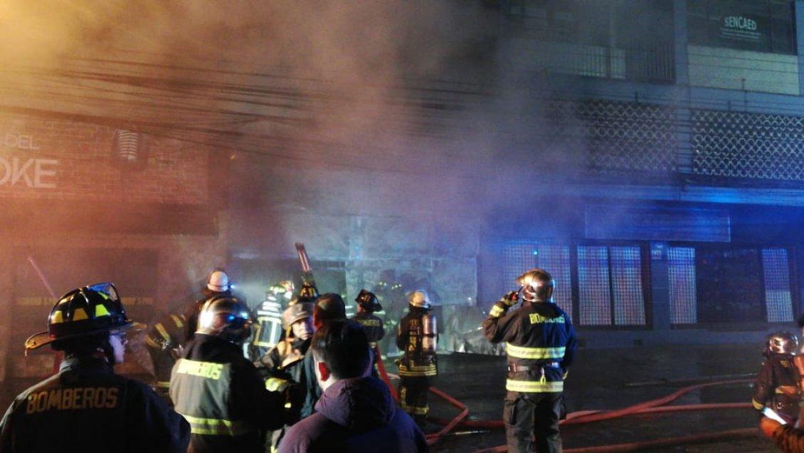 Incendio afectó a un pub en Osorno - Cooperativa.cl