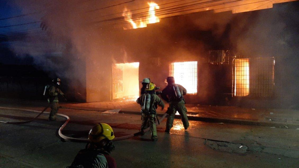 PDI detuvo a cinco sospechosos de incendios y saqueos en Talca - Cooperativa.cl