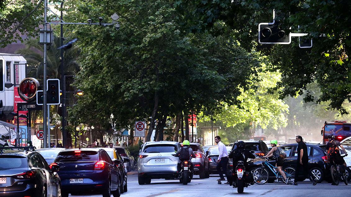 Gobierno inicia reparación de semáforos en Santiago: Inversión alcanza los 1.200 millones - Cooperativa.cl