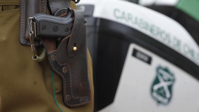 Mayor de Carabineros de civil fue herido a bala durante