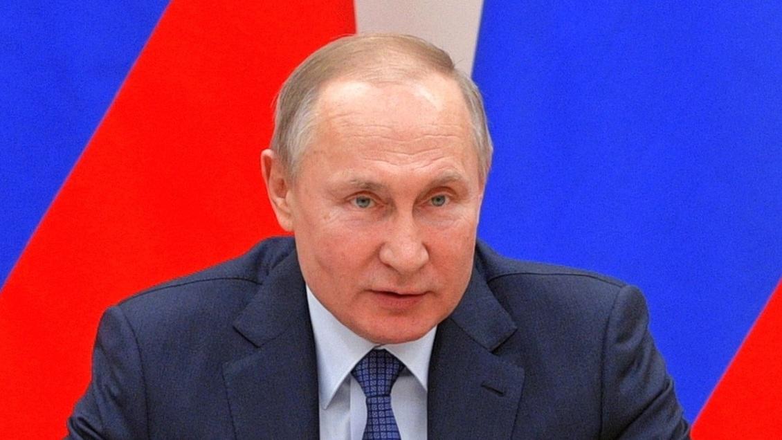 Putin aseguró que mientras sea presidente, no habrá matrimonio homosexual en Rusia