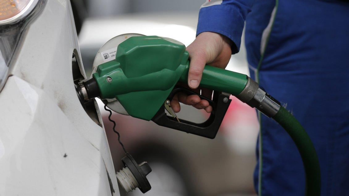 Enap anuncia fuerte caída en el precio de las bencinas