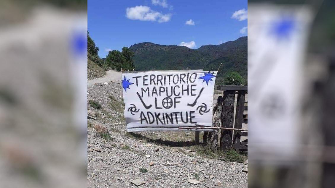 Carabineros desalojó a familias mapuche que mantienen toma de terrenos en Lonquimay