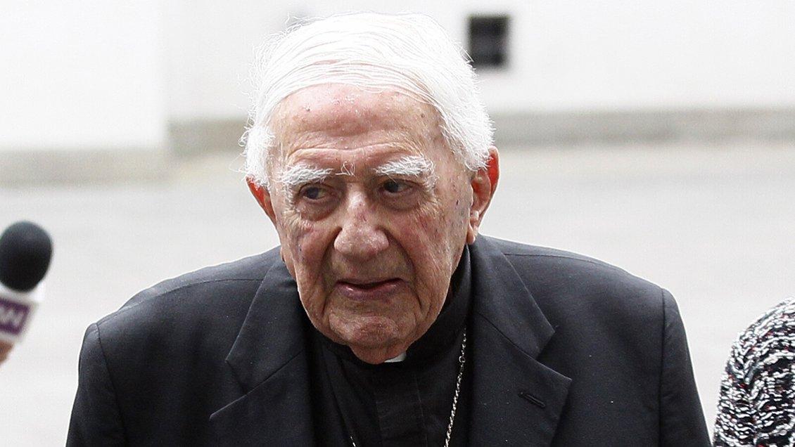 Bernardino Piñera se encuentra hospitalizado tras brote de Covid-19 en hogar de ancianos donde reside