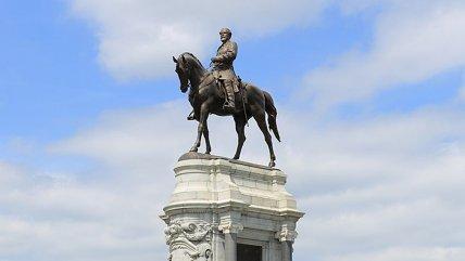Virginia retirará estatua del general confederado Robert E. Lee tras protestas raciales