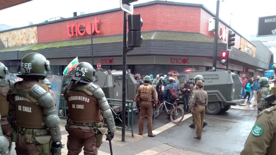 Intensas manifestaciones en Temuco ante la llegada del ministro Pérez