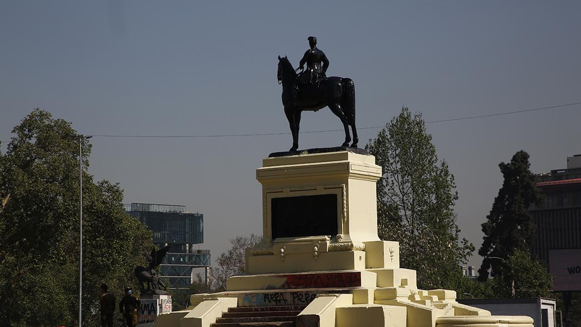 El general Baquedano no se mueve: Consejo decidió no trasladar la estatua