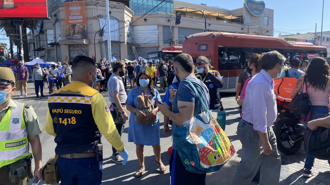 Balacera en Plaza de Maipú deja un fallecido y varios heridos