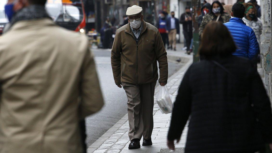 Rentas vitalicias: Aseguradoras acusan irrespeto a las reglas del juego en Chile