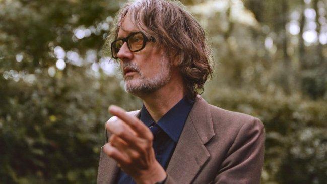 """Jarvis Cocker anuncia álbum inspirado en """"The French Dispatch"""" de Wes Anderson"""