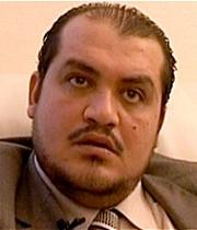 Según el periódico, Mohamed Ben Moncef Trabelsi recibió esas amenazas en el despacho parisino de su abogado, que decidió este sábado presentar ante la ... - FOTO_0120110227085914