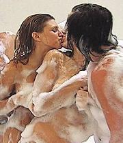 foto beso lesbico: